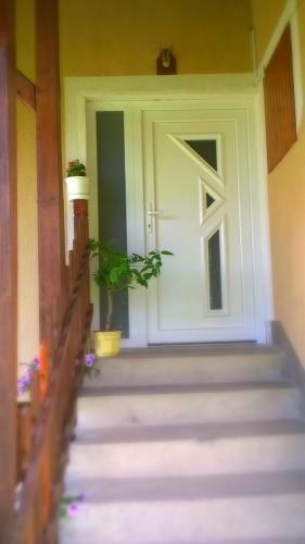 Bejárat / Eingang